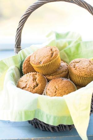 Applesauce bran muffins