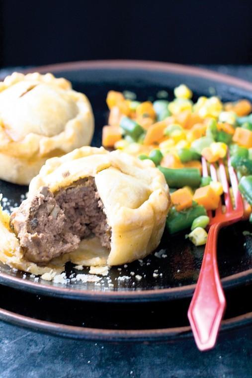 Stroganoff muffin pies