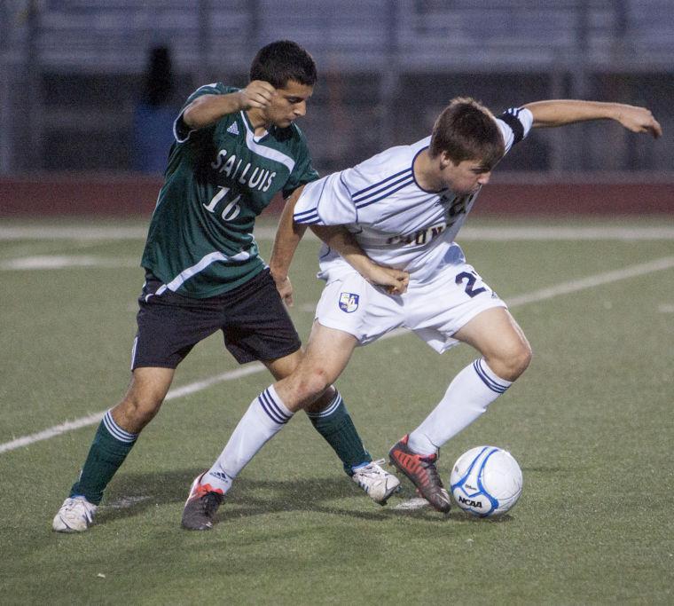 Soccer: DV vs San Luis
