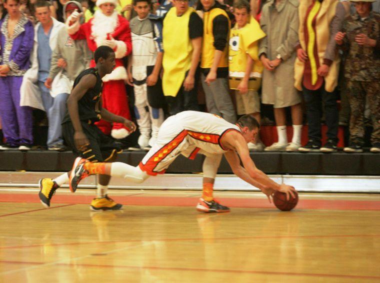 Boys basketball: MP vs. Corona de Sol