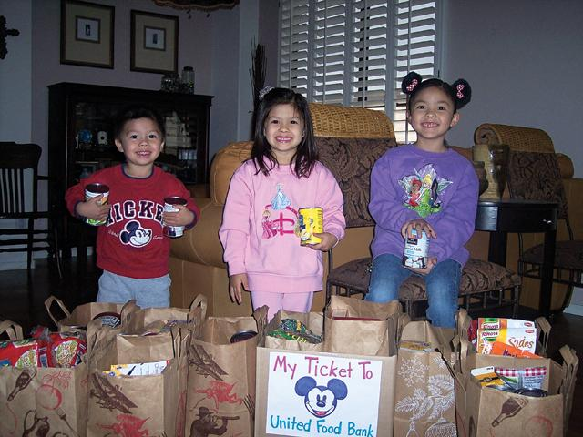 Rivers family collects groceries for United Food Bank