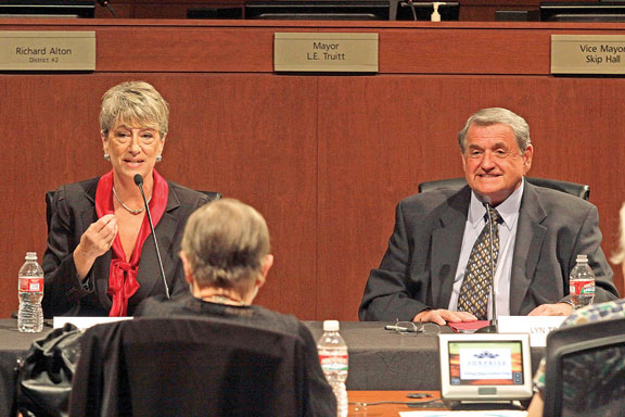 Surprise mayoral candidates tackle transportation, tough issues