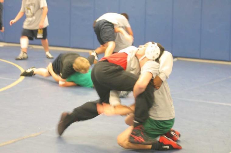 afn.112410.sp.wrestling.jpg