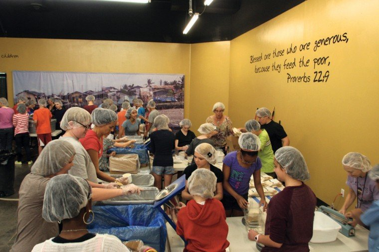 Kyrene Altadena Middle School packed meals for Feed My Starving