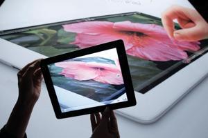 New iPad boasts sharper screen
