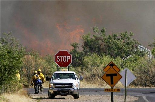 Monument Fire nears Sierra Vista