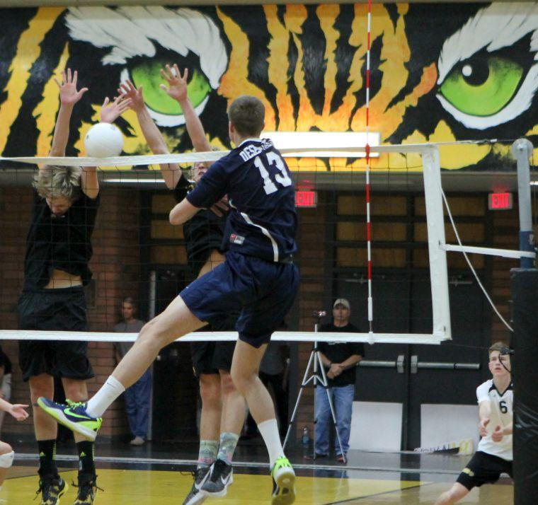 Volleyball: Desert Vista vs Gilbert