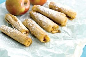 Food-Healthy-Apple Pastries