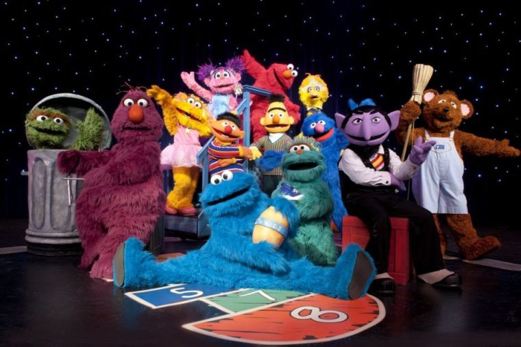 Sesame Street's Elmo Makes Music