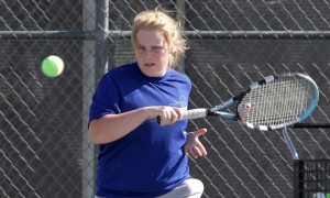dvtennis.002.dw.04112011.jpg
