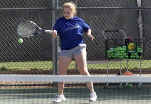 dvtennis.003.dw.04112011.jpg