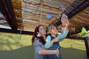 Decorating for sukkah