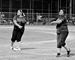 afn.060910.SP.Softballstars.lw.4