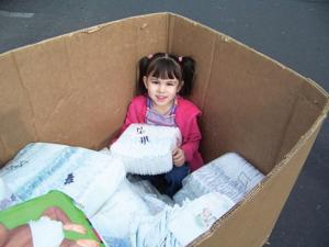 Summit School of Ahwatukee collects diapers for Homeward Bound