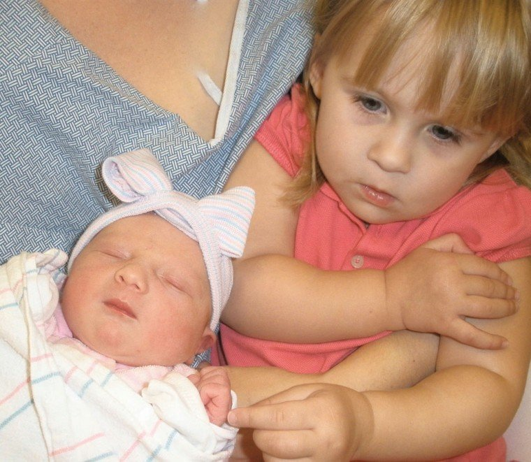 Sophie Marie with big sister Olivia