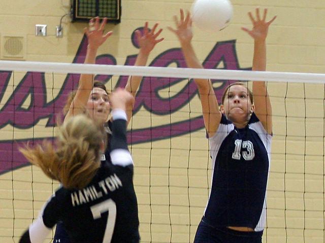 GIRLS VOLLEYBALL: Desert Vista sweeps Hamilton to open Fiesta region play