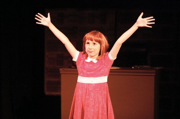 afn.030411.arts.ANNIE4.jpg