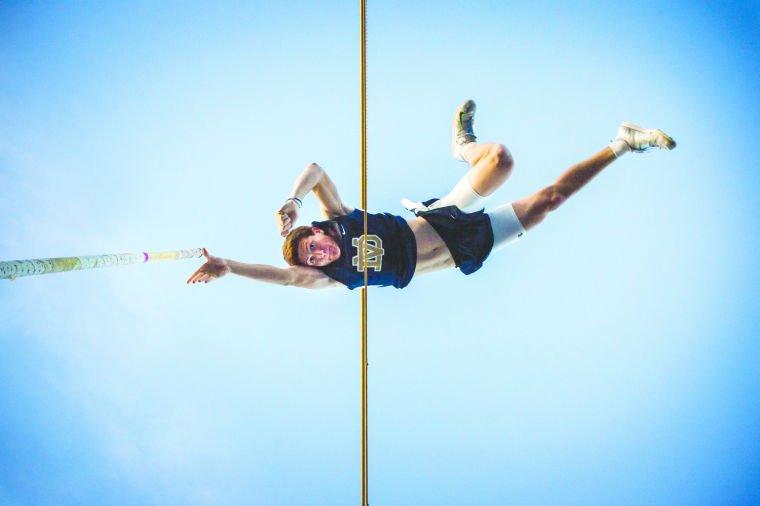 DV Pole Vault