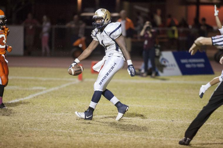 Football: DV vs Corona