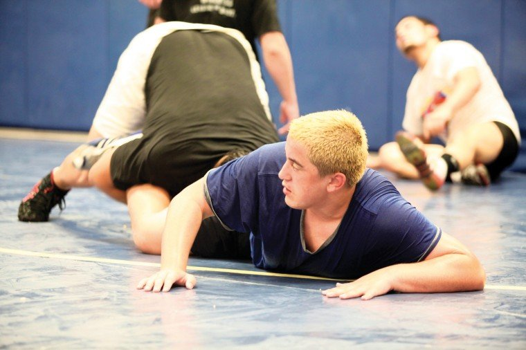 afn.071610.sports.wrestling1.jpg