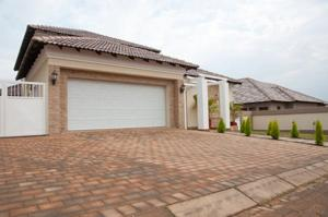 Some signs suggest Ahwatukee may be in a buyers' market