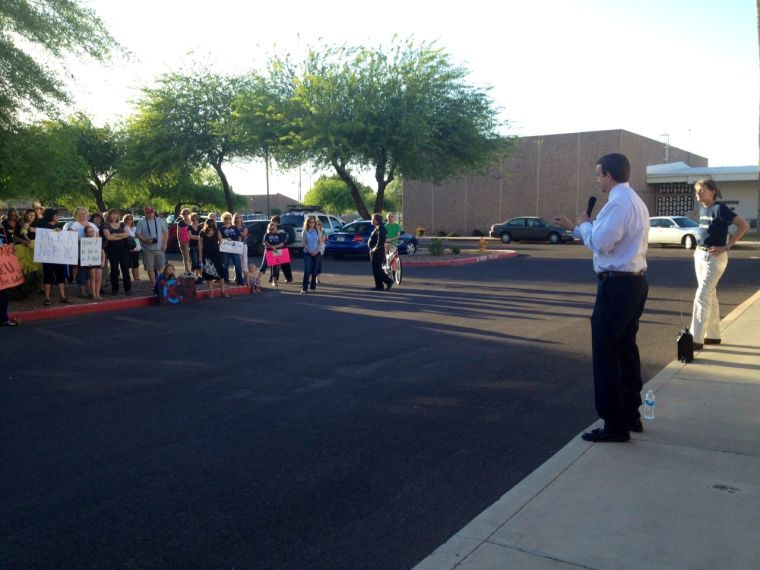 Gilbert teachers rally