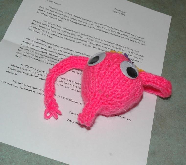 Hand-knitted uterus