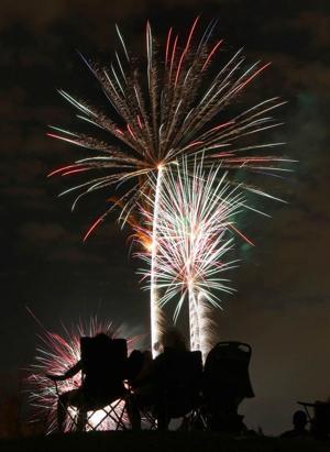 afn.fireworks.dw.07032012002.JPG
