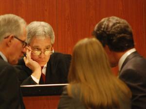 Pianka jury begins deliberations