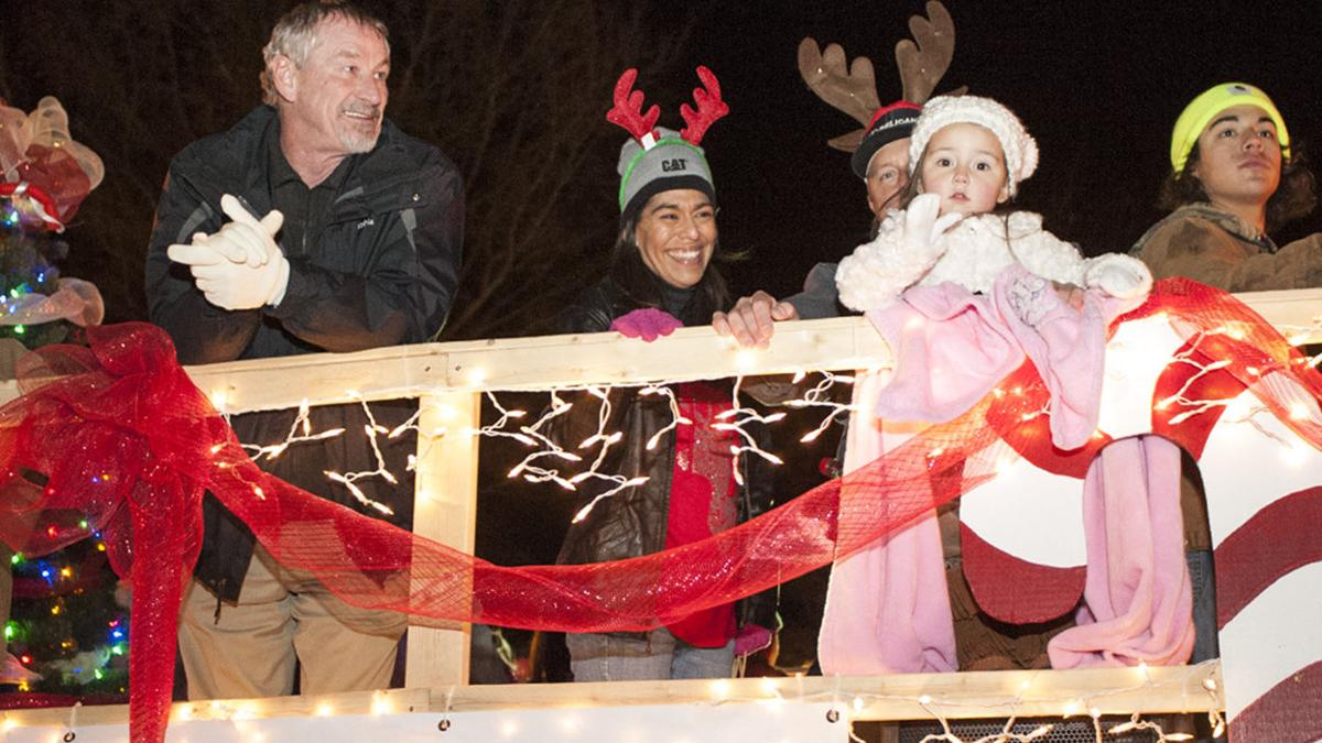 Scenes from the Pell City Chamber of Commerce Christmas Parade (photo gallery)
