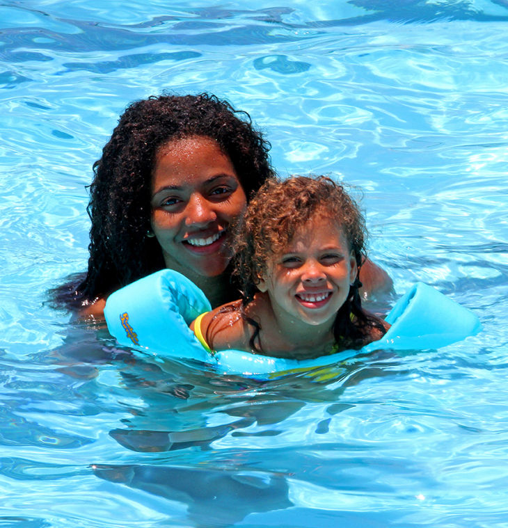 Swim Party 4