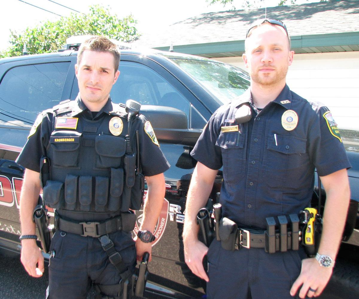 an overview of the police officers and their duties There are many duties and responsibilities of a police officer there main duty and responsibility is to enforce the law and make sure that we live in a safe environment they have many daily routines depending on the officer.