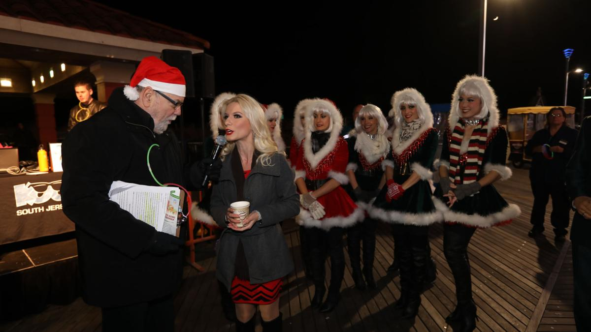 Tropicana holds holiday sing-a-long