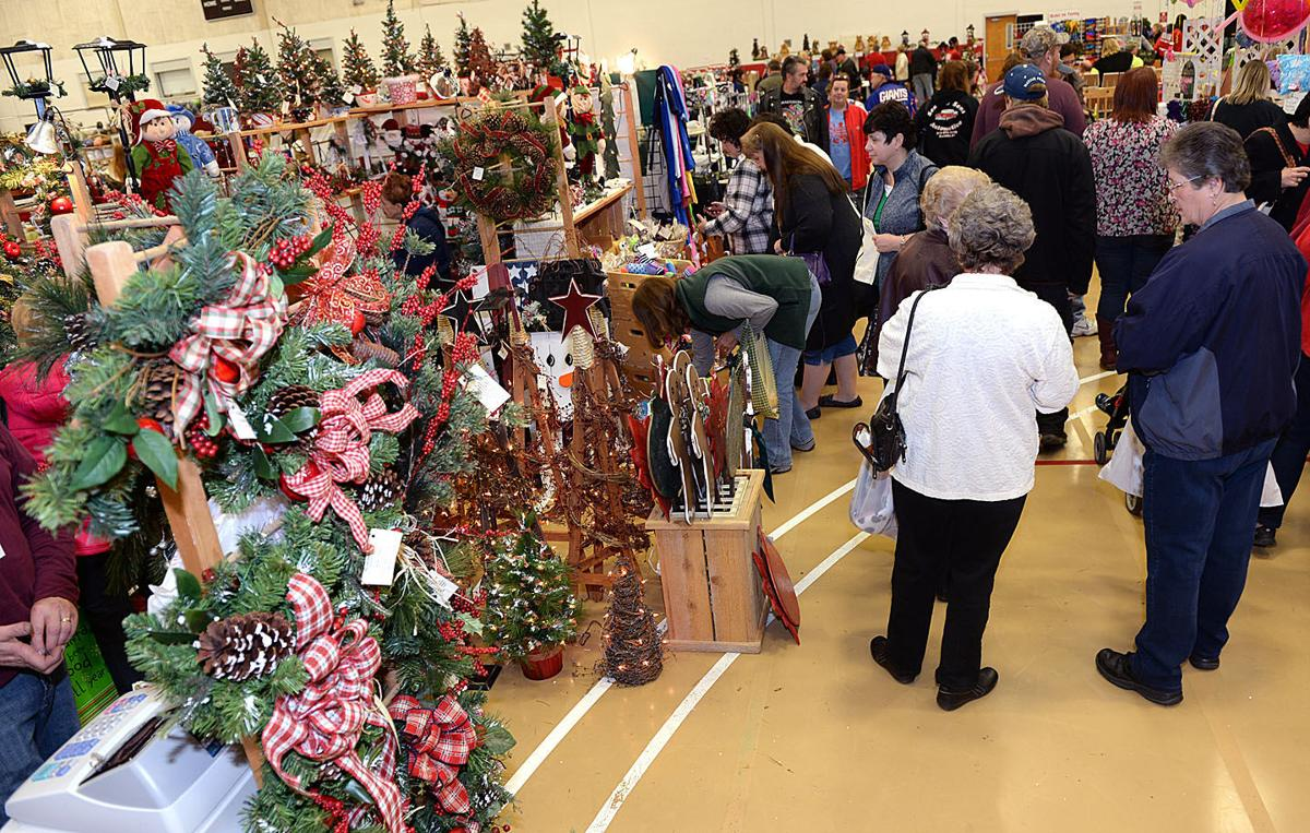 Holiday craft fair at cayuga community college a 39 magical for Craft fairs and festivals