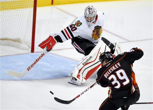 Matt Beleskey scores in OT, Anaheim Ducks beat Chicago Blackhawks 5-4 in wild Game 5