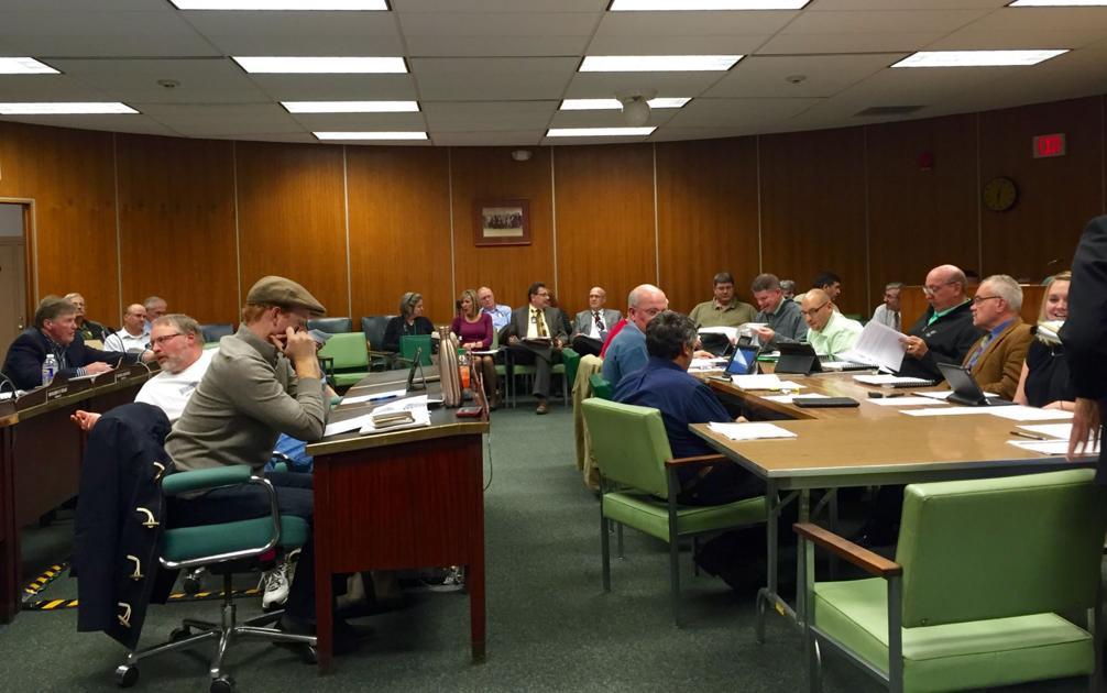 Cayuga county legislature committee adjusts budget stays for Auburnpub