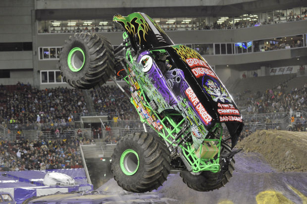 Grave Digger Monster Mutt And More Roar Into Syracuse For