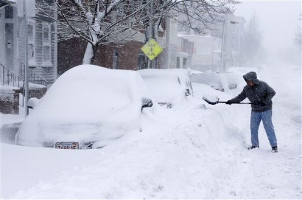 Storm blankets northeast with to feet of snow