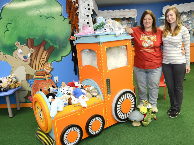 New teddy mountain franchise brings bear making to cayuga for Franchise ad garage