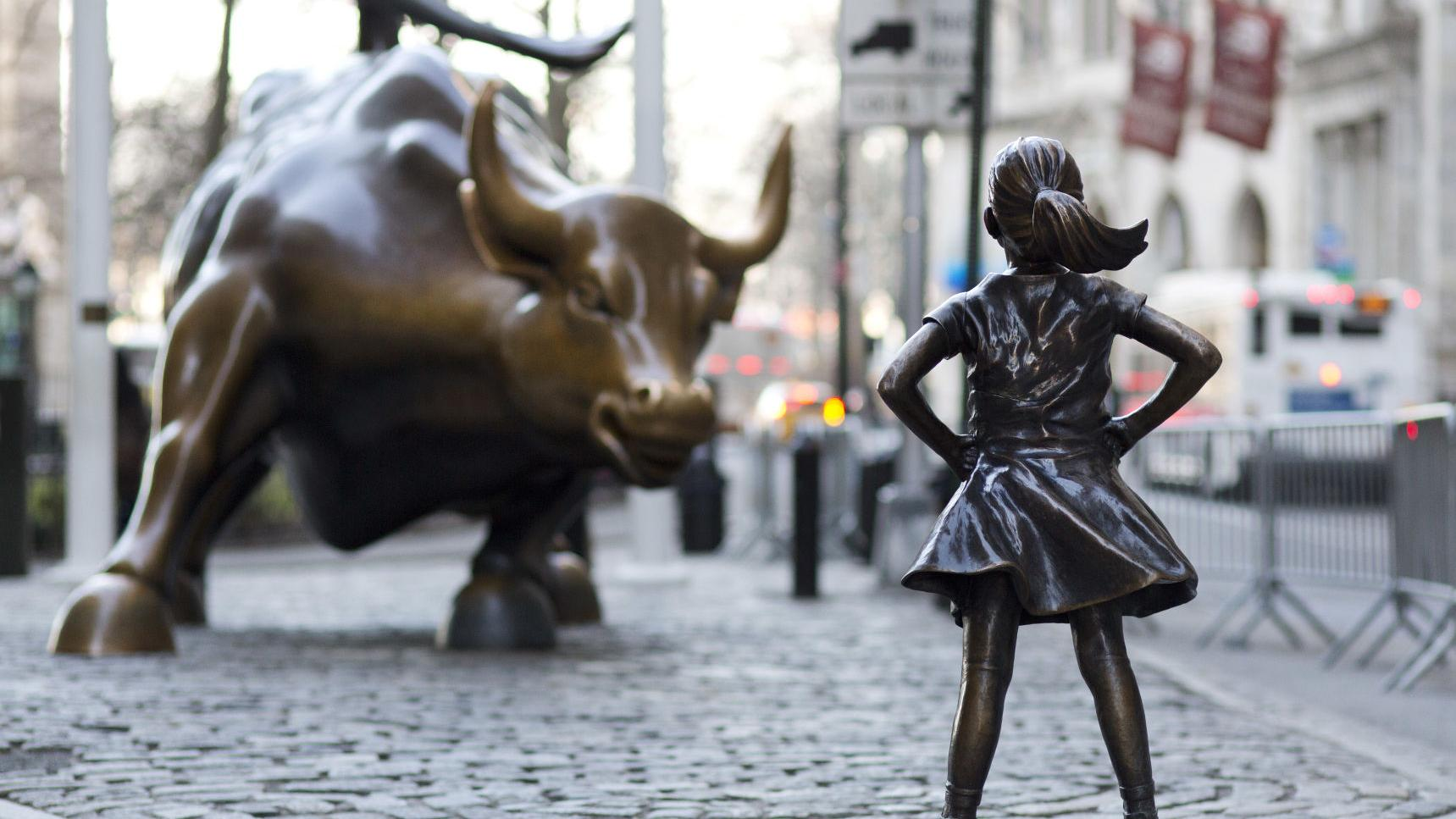 'Fearless Girl' statue to stay on Wall Street until 2018