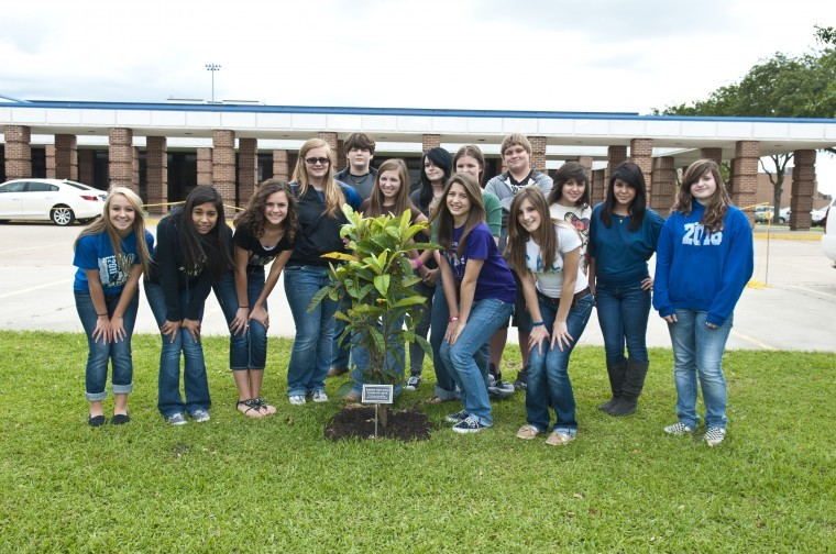 barbers hill middle school students celebrate earth day