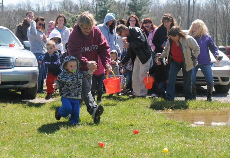 Slide Show Easter Egg Hunt in Princeton City Park