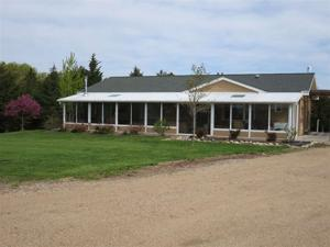 2940 E. Linden Road, Beatrice, NE