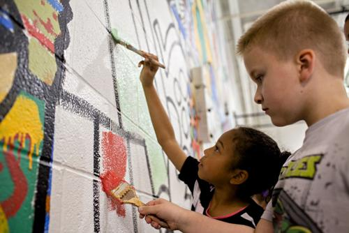 SLIDE SHOW: Mural Painting at W.R. McNeill Elementary