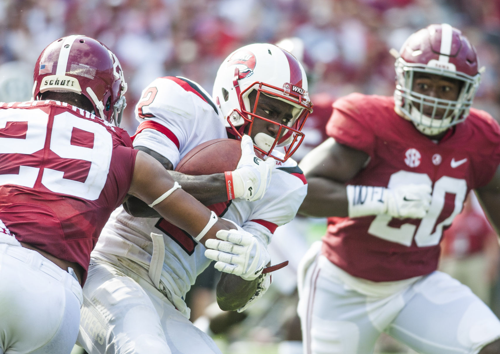 Woe is Alabama: Top-ranked Tide unhappy with performance
