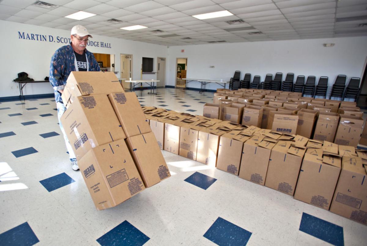 FOP Lodge No. 13 delivers holiday meals | News | bgdailynews.com
