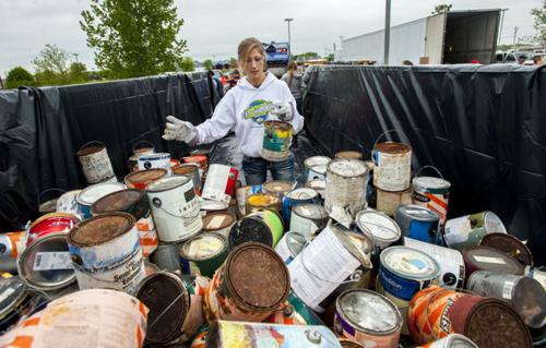 People flock to event to dispose of hazardous materials
