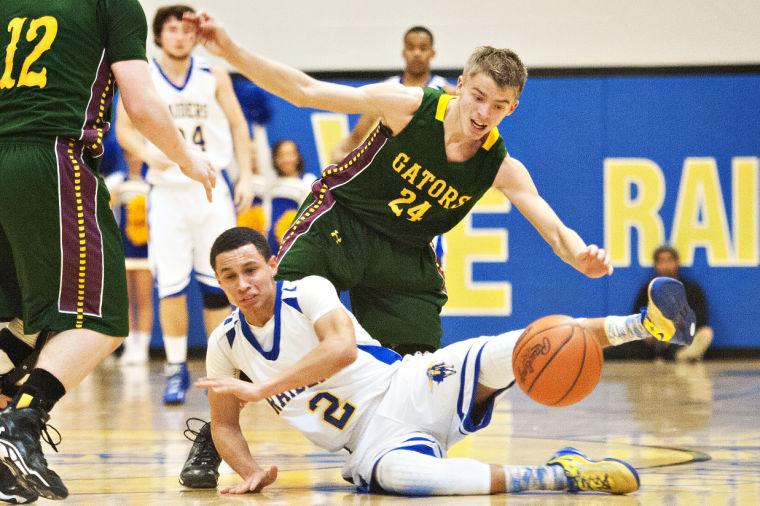 Prep Basketball: Greenwood at Warren East