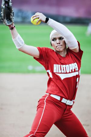 <p>Western Kentucky's Miranda Kramer (2) delivers to the plate Saturday, April 25, 2015, during their 3-1 win over Charlotte at WKU Softball Complex. (Bac Totrong/photo@bgdailynews.com)</p>