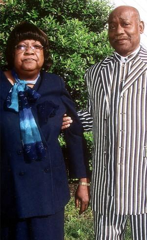 Lonnell Dewalt Sr and Ida E Dewalt celebrated their 50th wedding